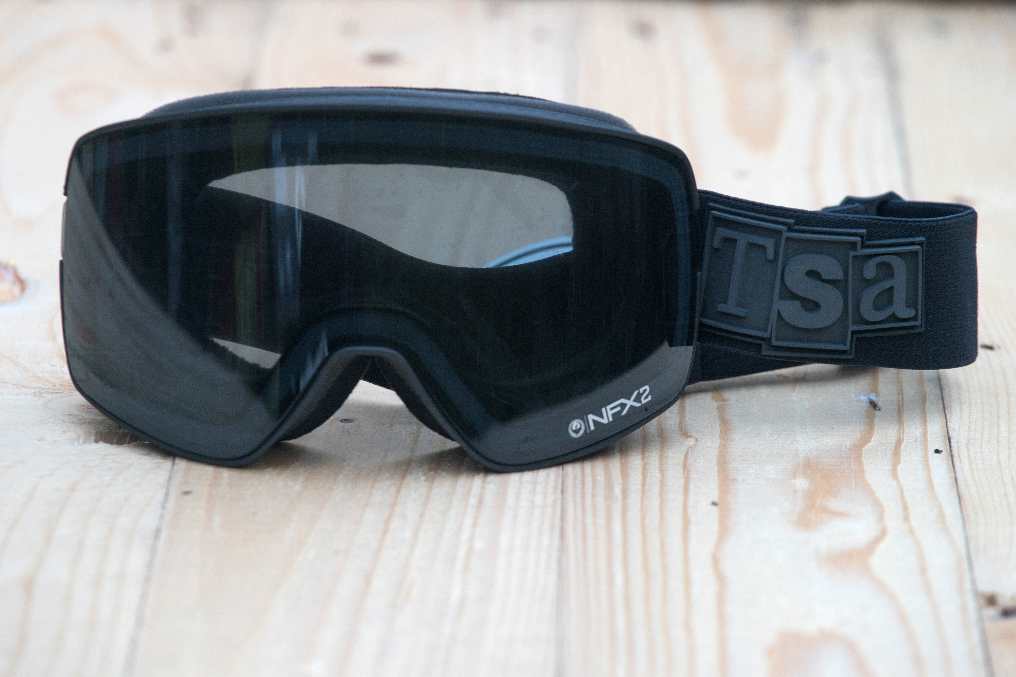 The Snowboard Asylum x Dragon NFX2 goggle £165